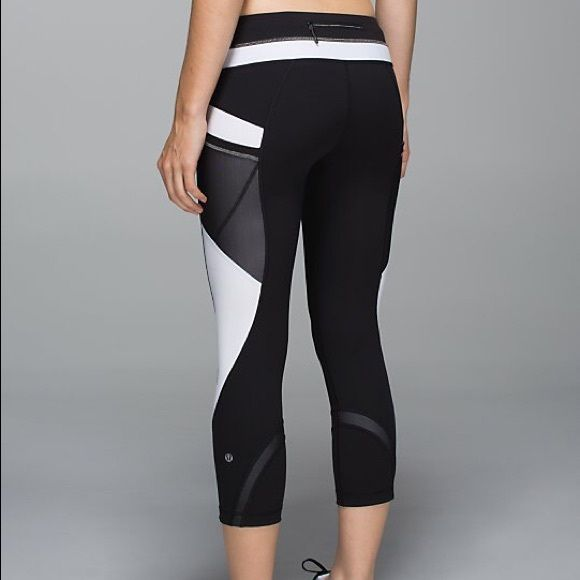 8059c9ed3f Lululemon run inspire crop II*SE NWOT 88on merc. lululemon athletica Pants  Ankle & Cropped