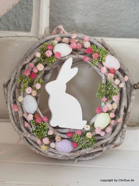 Photo of Easter decoration: Easter door wreath with colorful flowers / Eas – Easter decoration garden concrete