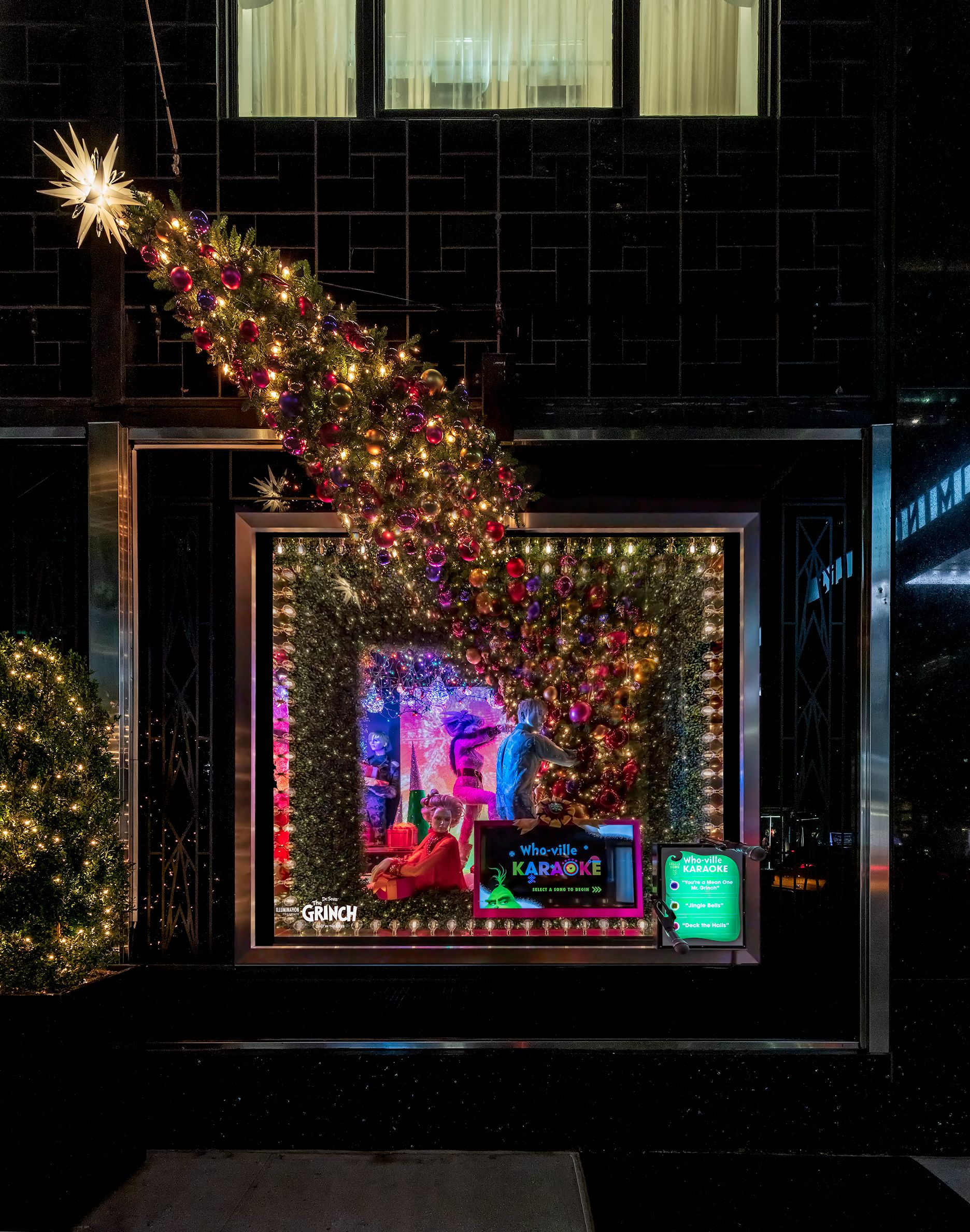Eat Drink And Be Bold In 2019 Window Displays Pinterest