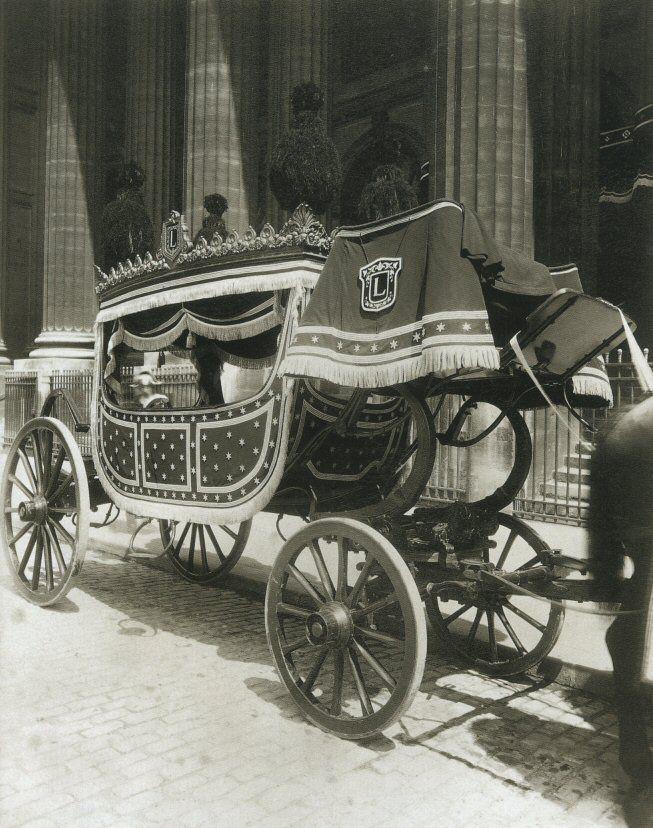 La Voiture dans le Paris d'antan par Eugène Atget - Un ...