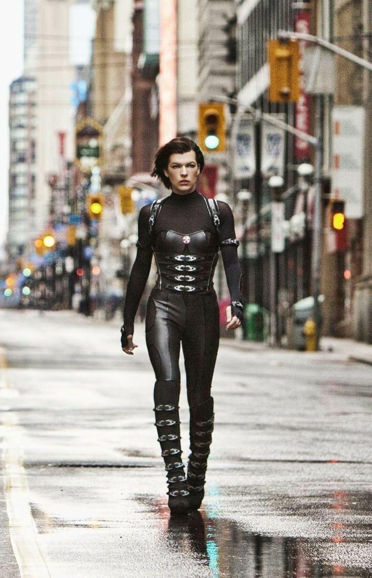 Milla Jovovich's Celebrity Clothing  🎥 - #celebrity #Clothing #jovovich #milla - #HollywoodActresses