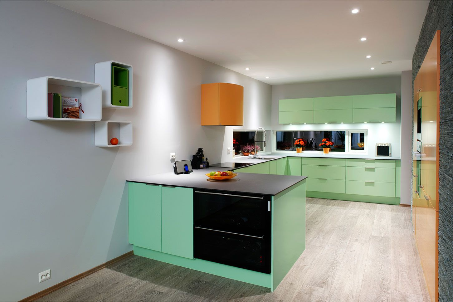 Inredning måttbeställd bänkskiva : 25+ beste ideeÃ«n over Kjøkken veggplater op Pinterest - Kjøkken ...