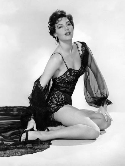 Ava Gardner, 1952 (b/w photo) Photo #classicactresses