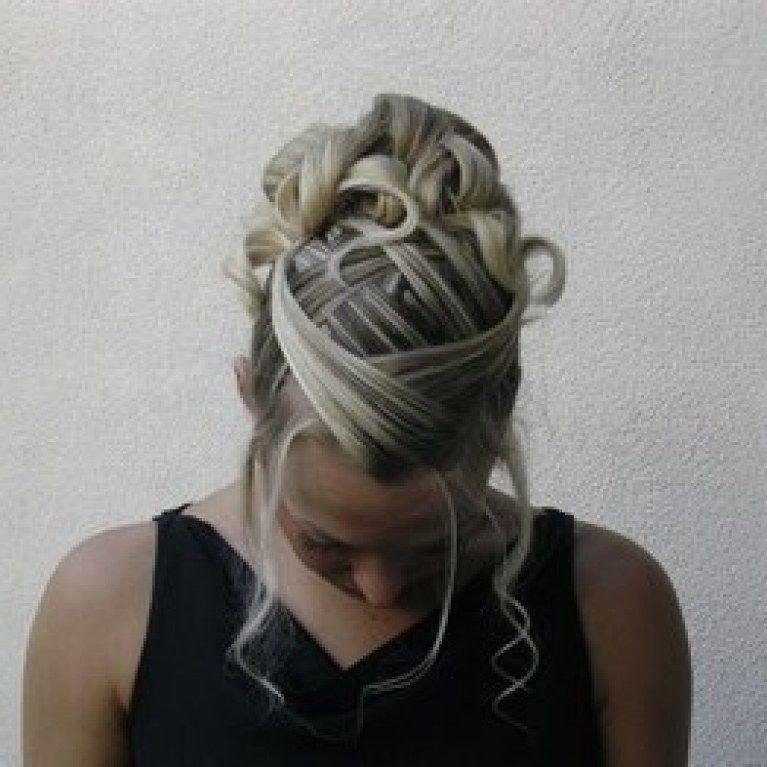 Coiffure mariée Cheveux courts ou mi long chignon
