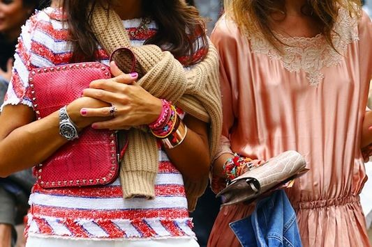 """Always consult your friends before going out. Clearly these gals called each other on the cellie and said """"Think pink for our shopping trip."""" And a clutch. #Streetstyle"""