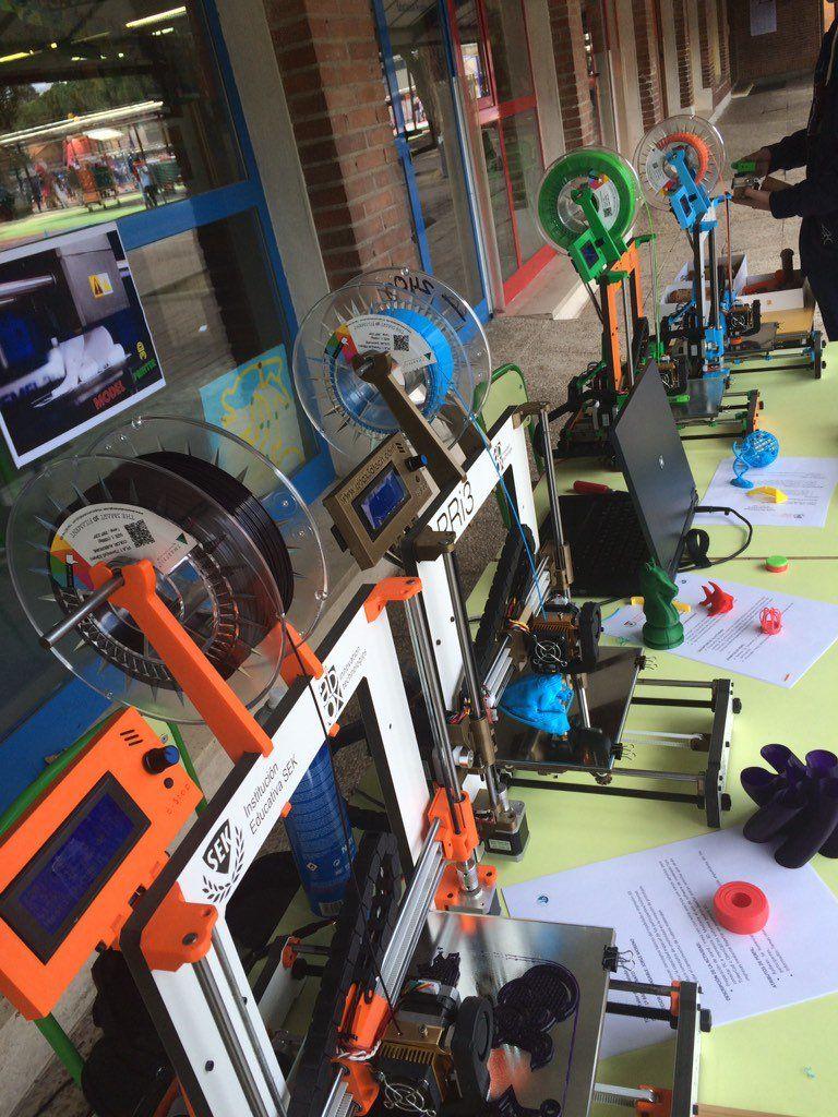 #Makerspace impresiones #3dprinting vía @xalocgregal en nuestro #opendayec @BeOrtiz @abax3dtech