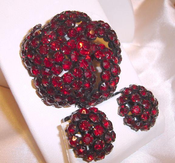Signed Warner Red Brooch Earrings Jewelry Set http://www.rubylane.com/item/184628-EstateWarnerJewelrySet/Signed-Warner-Red-Brooch-Earrings#.T1RentNtfpY.twitter via @rubylanecom