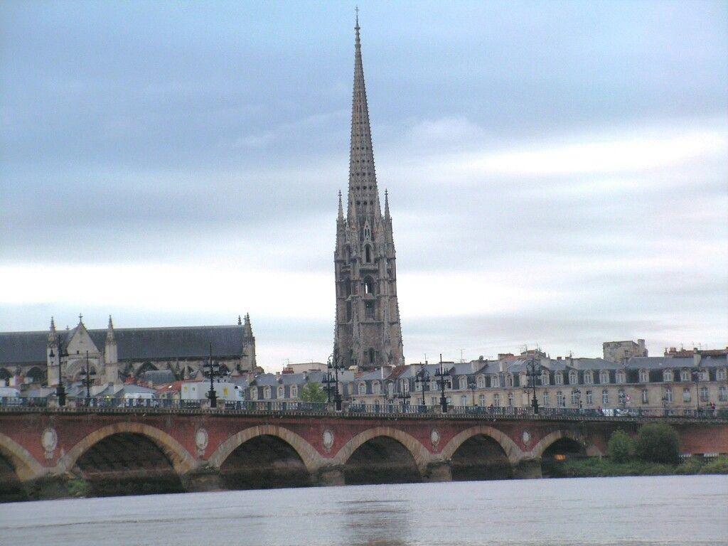 La Flèche St Michel  , le pont de pierre .