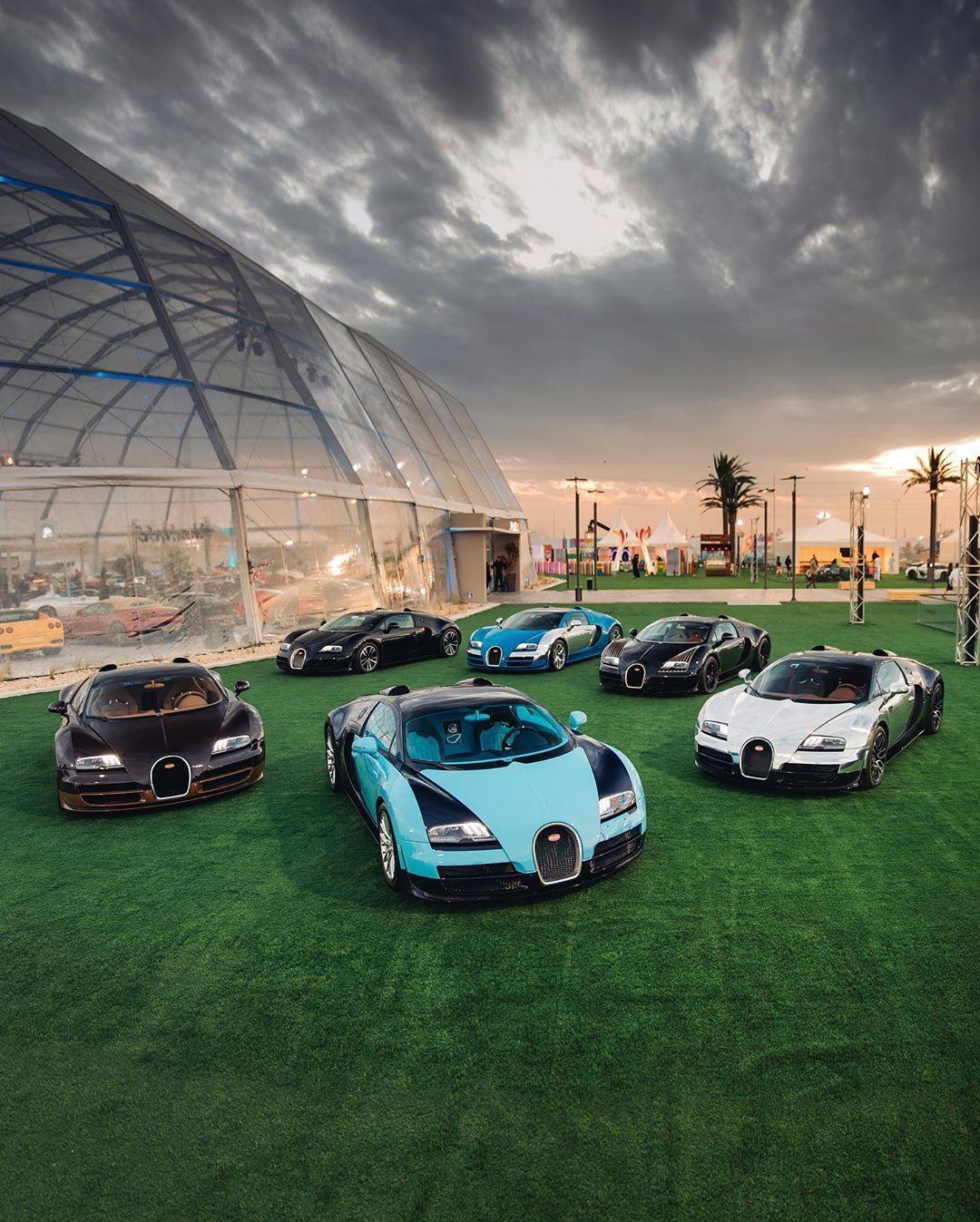 Beautiful And Nice Automobile High End Luxury Sport Cars Luxurysportscar Menscar Luxurycars Automobile Sportscar In 2020 Bugatti Bugatti Company Bugatti Veyron