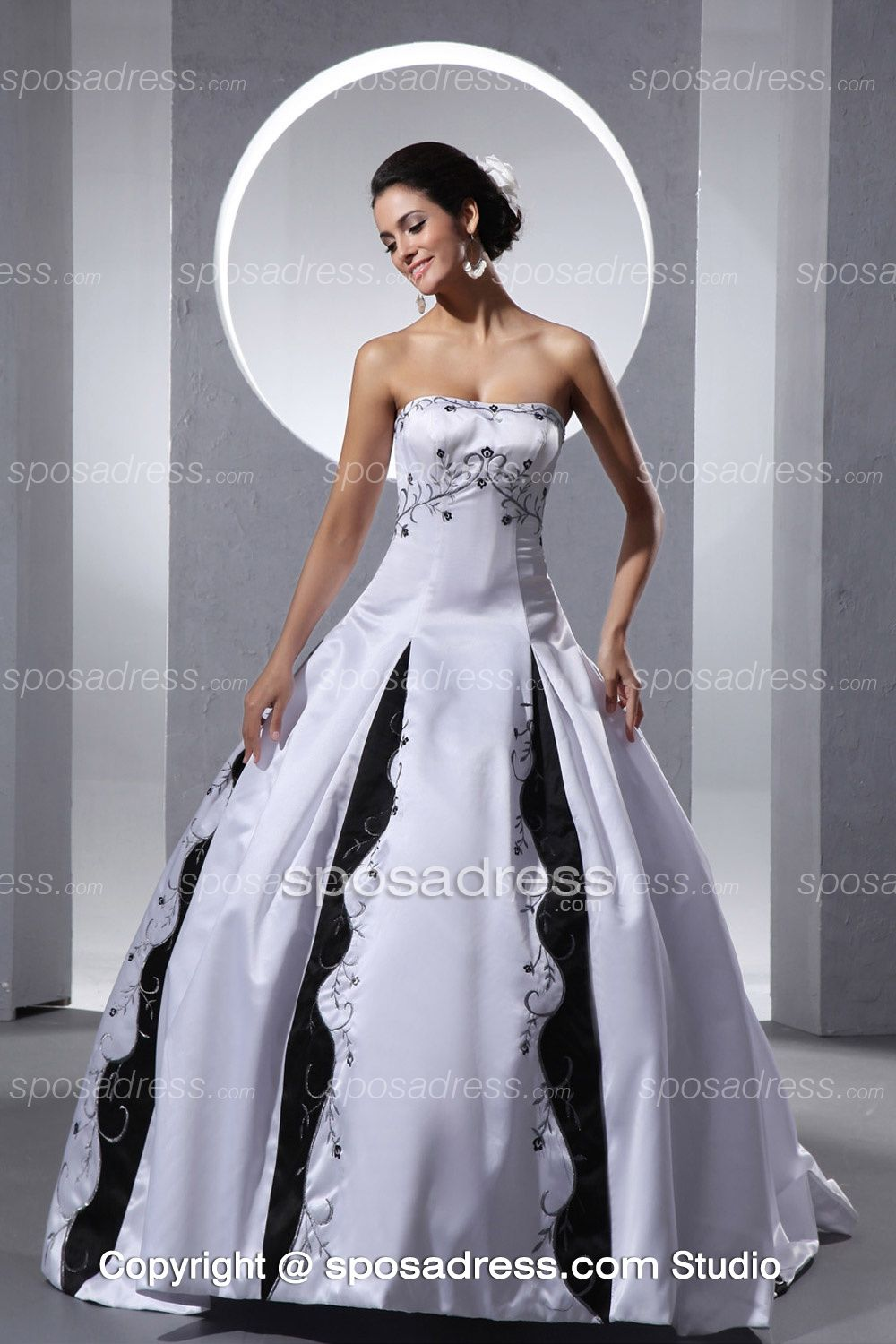 2013 unique white and black embroider ball gown elegant