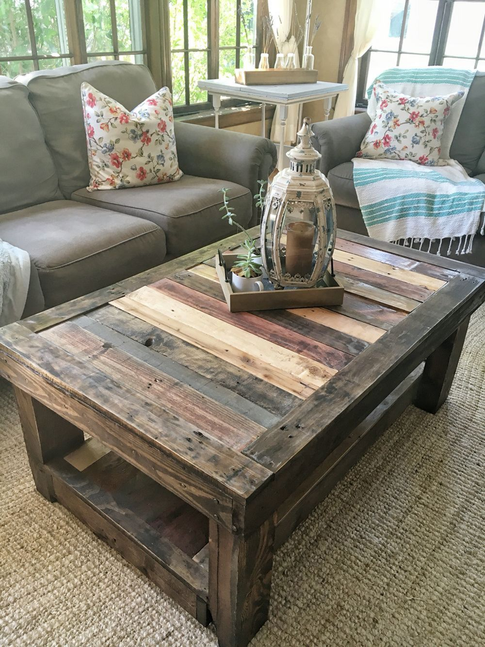 Epic 8 Simple and Easy DIY Wooden Pallet Coffee Table