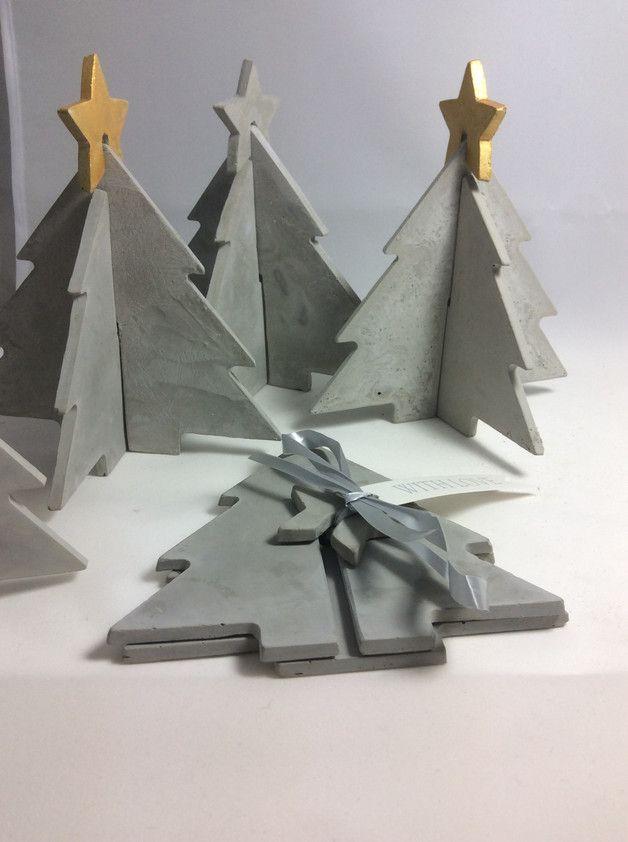 Wieder da in kleiner Auflage Das Original. Für einen lieben Menschen. Für Dich. Für Puristen - Weihnachtsbaum aus faserverstärktem Feinbeton. der Weihnachtsbaum ist klar gestaltet. Ohne Schnick...