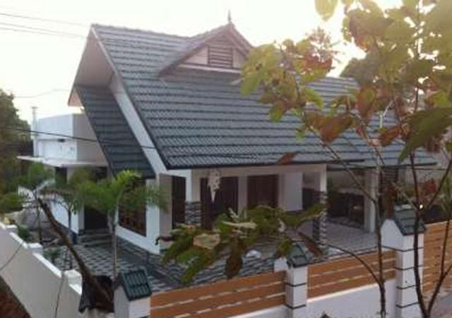 New Modern House For Sale At Kottayam Puthuppally