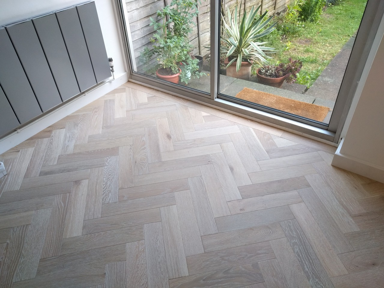 With or without a border? This parquet wood floor that we