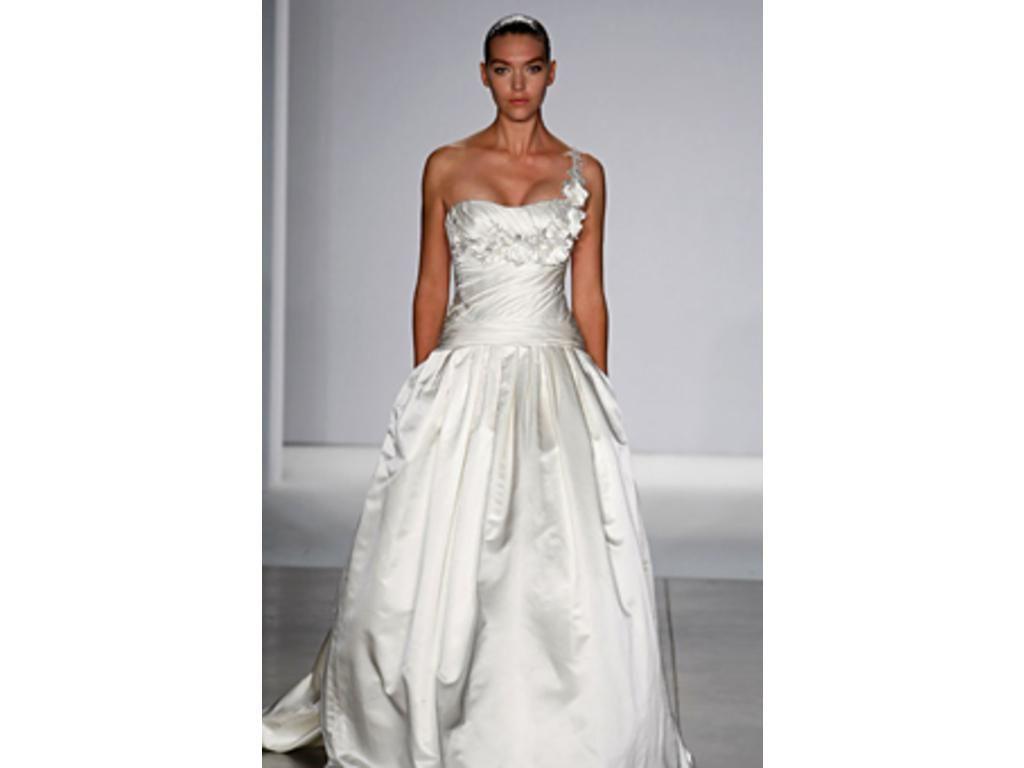 Kenneth Pool Carina, $2,850 Size: 8 | Sample Wedding Dresses ...