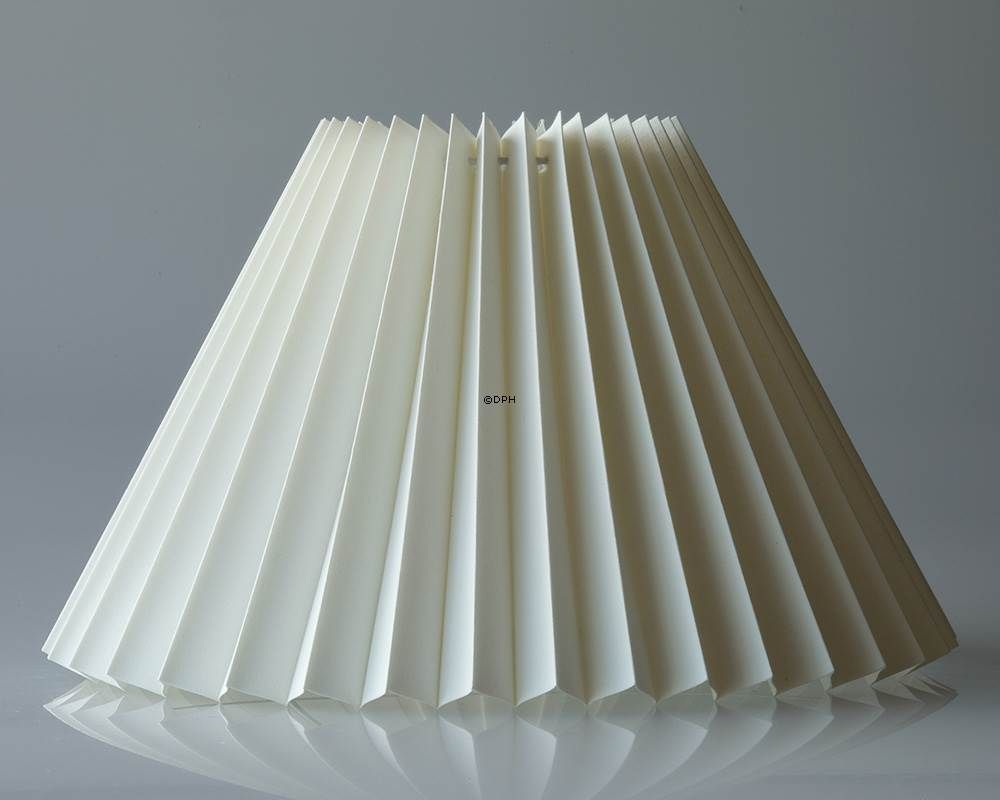 Pleated Lamp Shade Of Off White Chintz Fabric Sidelength 27cm No G271642p3300 Pleated Lamp Shades Lamp Shade Chintz Fabric