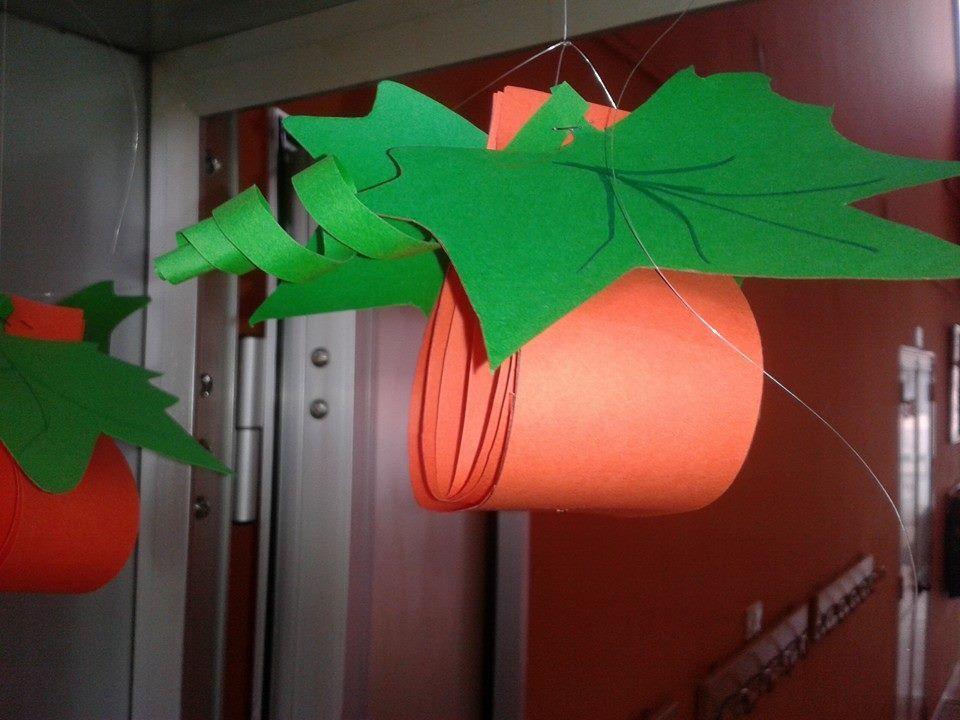 Addobbo per aule zucca festivit ed eventi pinterest for Addobbi finestre autunno scuola infanzia
