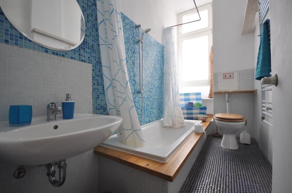 Das Badezimmer Ist Ein Ort Der Frische Die Farbe Blau Passt Daher