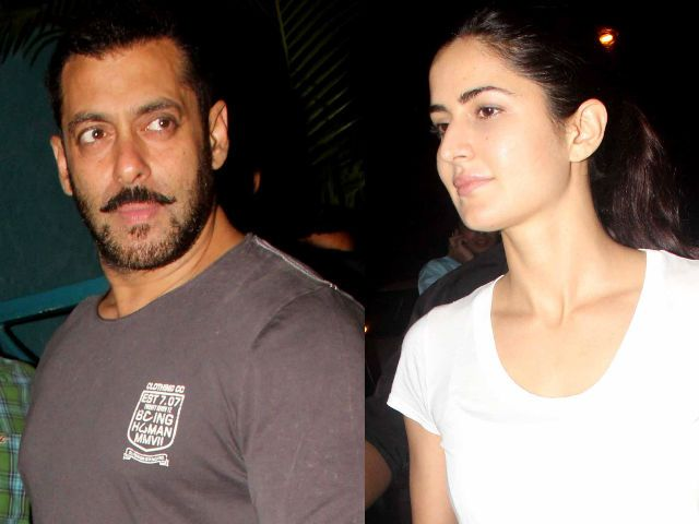 #KatrinaKaif Hunts For A #NewHouse With #SalmanKhan 's Manager In Tow!! http://bit.ly/1U104NA #Bollywood