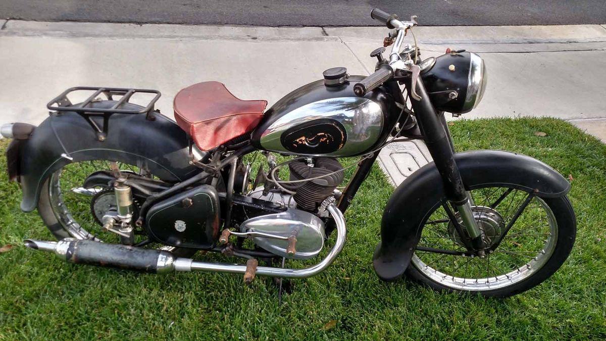 1954 Peugeot Tc4 Vintage Motorcycle For Sale Via Rocker Co Vintage Motorcycles For Sale Brat Bike Classic Bike