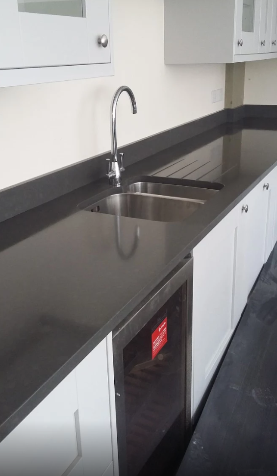 We Like This Quartz Countertop Style With 100mm Upstands And Under