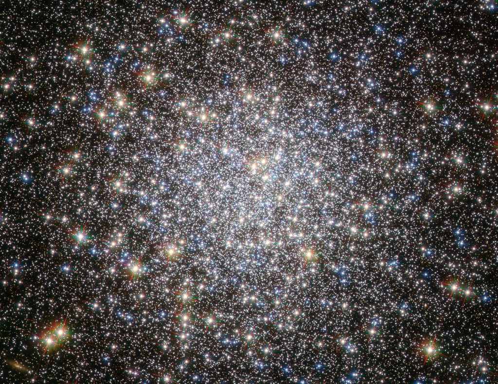 Hubble Space Telescope Milky Way | Globular cluster, Star