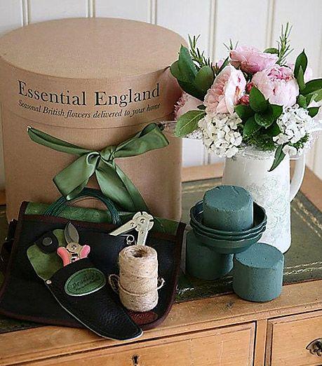 PROFESSIONAL OASIS FLORIST TOOL BOX KIT Flowers Floristry Floral Tools Scissors