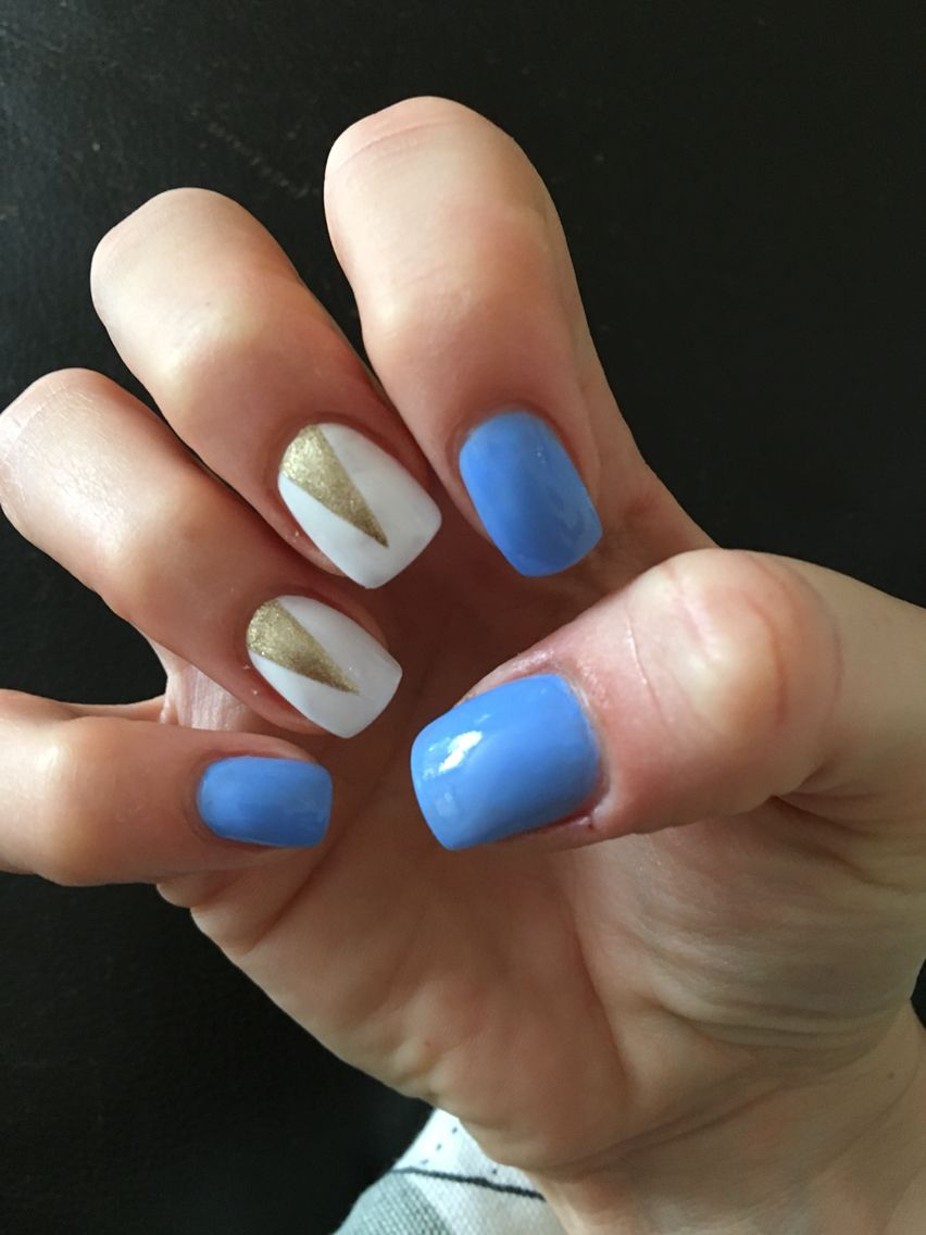 Blue and white nails, gold triangles, nail art, nail design, September nails - Blue And White Nails, Gold Triangles, Nail Art, Nail Design