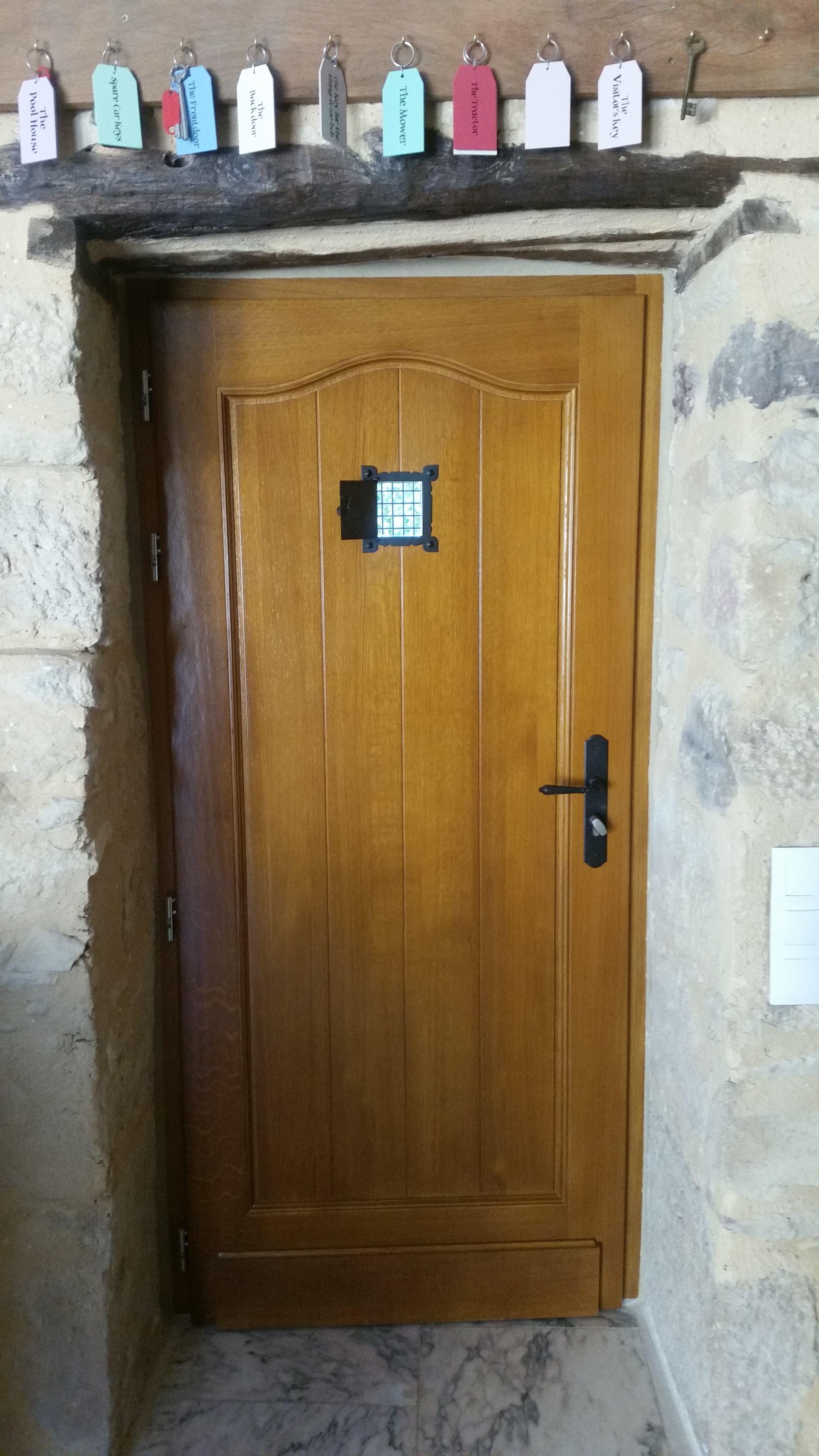 Porte Du0027entrée 1 Vantail Avec Lames Toute Hauteur + Chapeau De Gendarme +  Judas