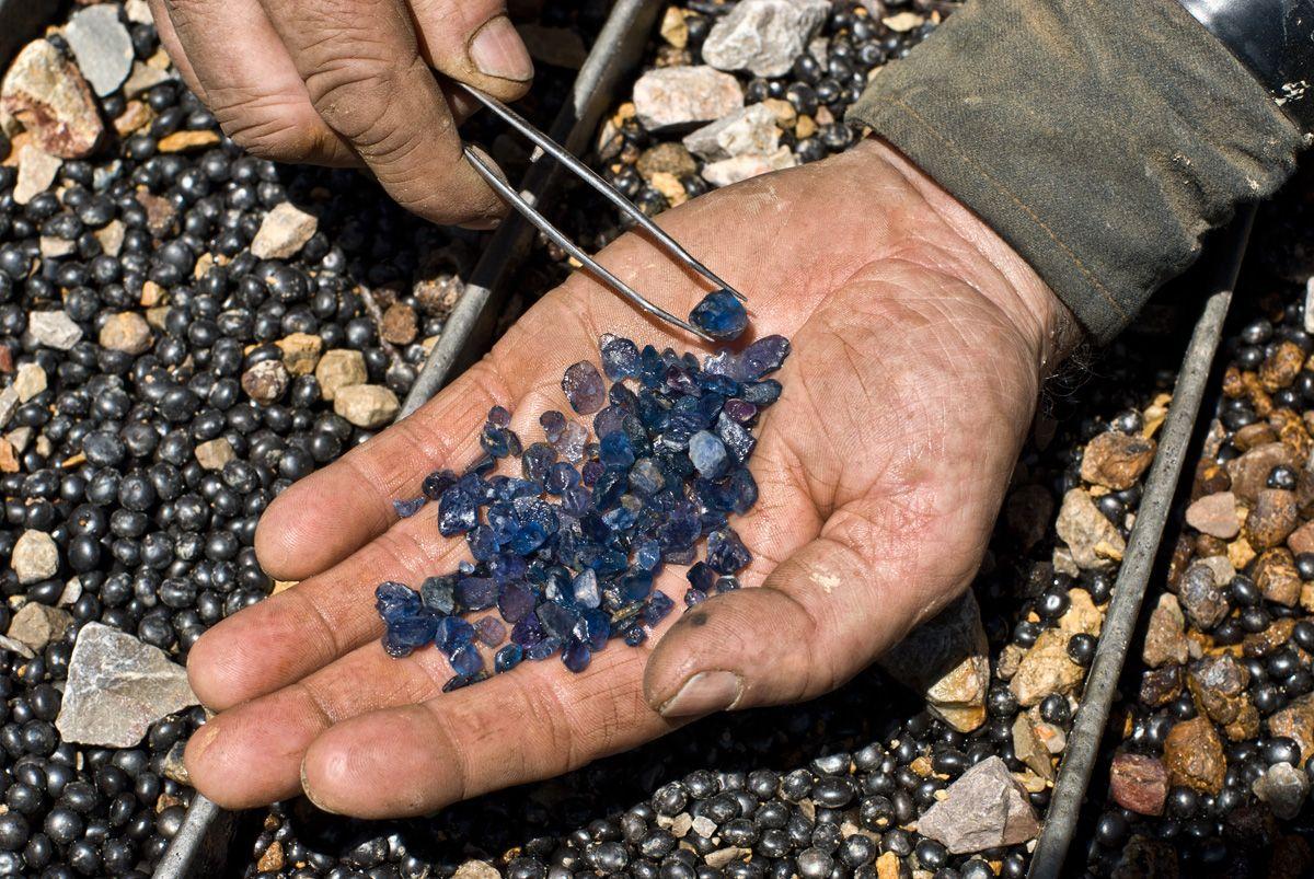 Yogo Gulch Montana Sapphires | Rock hunting | Crystals