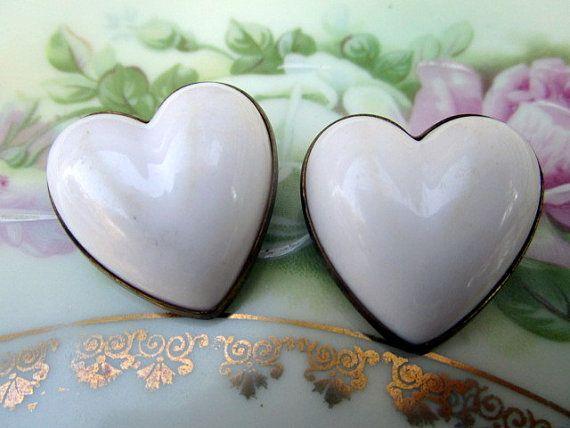 Art Deco Celluloid Pair Puffy White Heart Brooches Pins