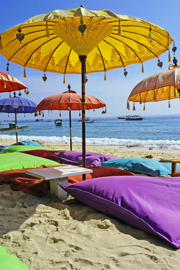 Bali is voor vele een echte bucketlist bestemming, en dat is heel logisch want het is er prachtig! De relaxte sfeer, mooie tempels, prachtige omgeving en sfeervolle marktjes maken deze bestemming perfect. Ook als het om watersporten gaat zit je helemaal goed! Pak je koffer en ga op heerlijke zonvakantie of start hier je rondreis! https://ticketspy.nl/?p=121724