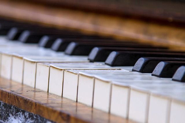 PUZZLE OF THE DAY: What is the difference between 16 ounces and a small boy at the piano?
