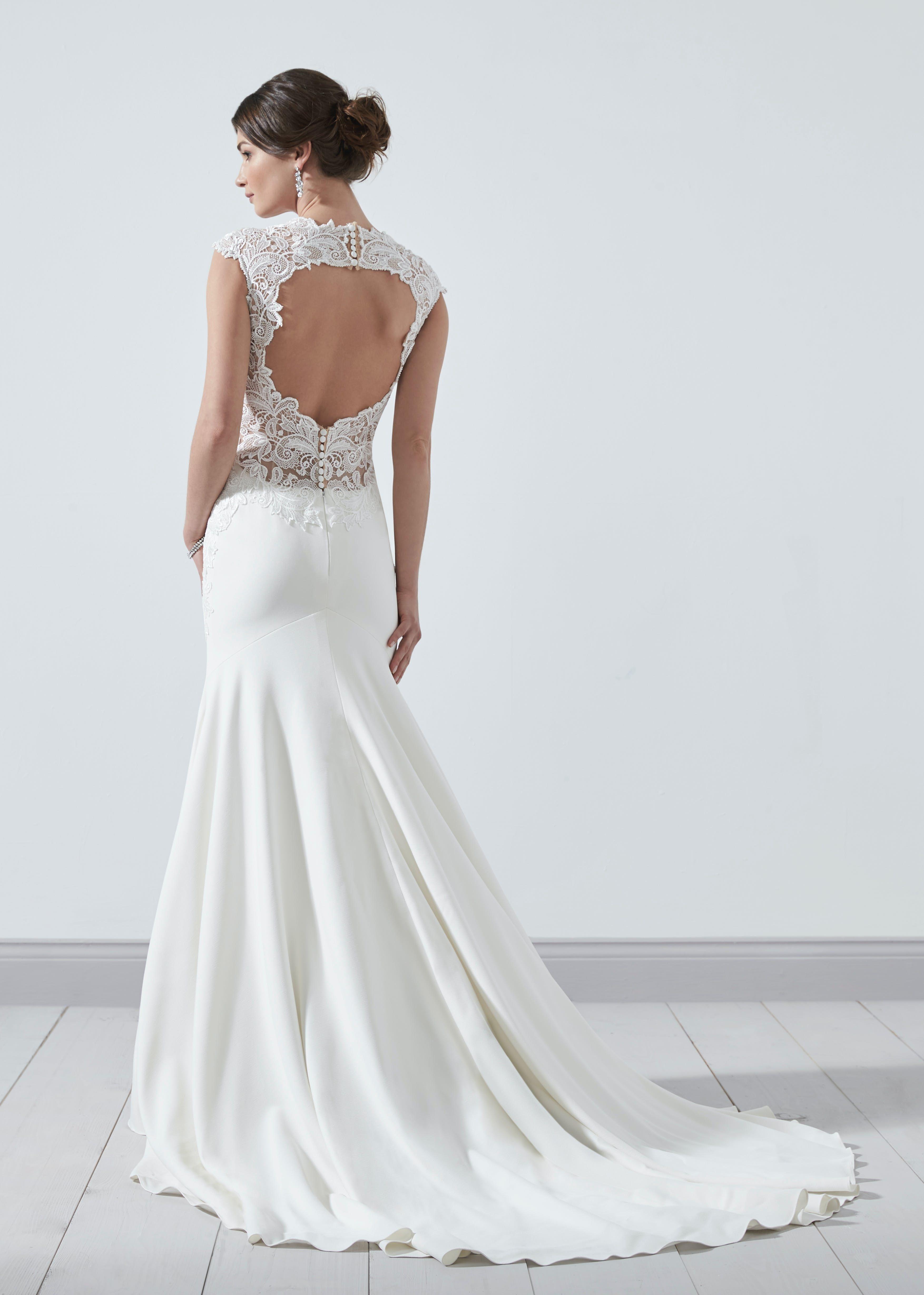 Pin By Kristina Konig On Wedding In 2020 Keyhole Back Wedding Dress Wedding Dresses Dresses