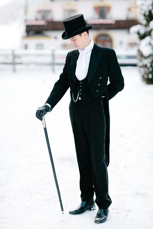 6d683639708f4 I love this  wedding outfit decked with a  black  top  hat thttp
