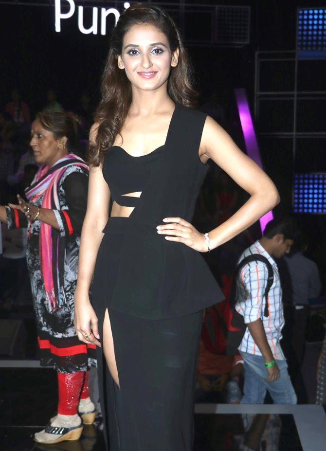 51f569e897b275 Shakti Mohan on 'Dance Plus 2'. #Bollywood #Fashion #Style #Beauty ...
