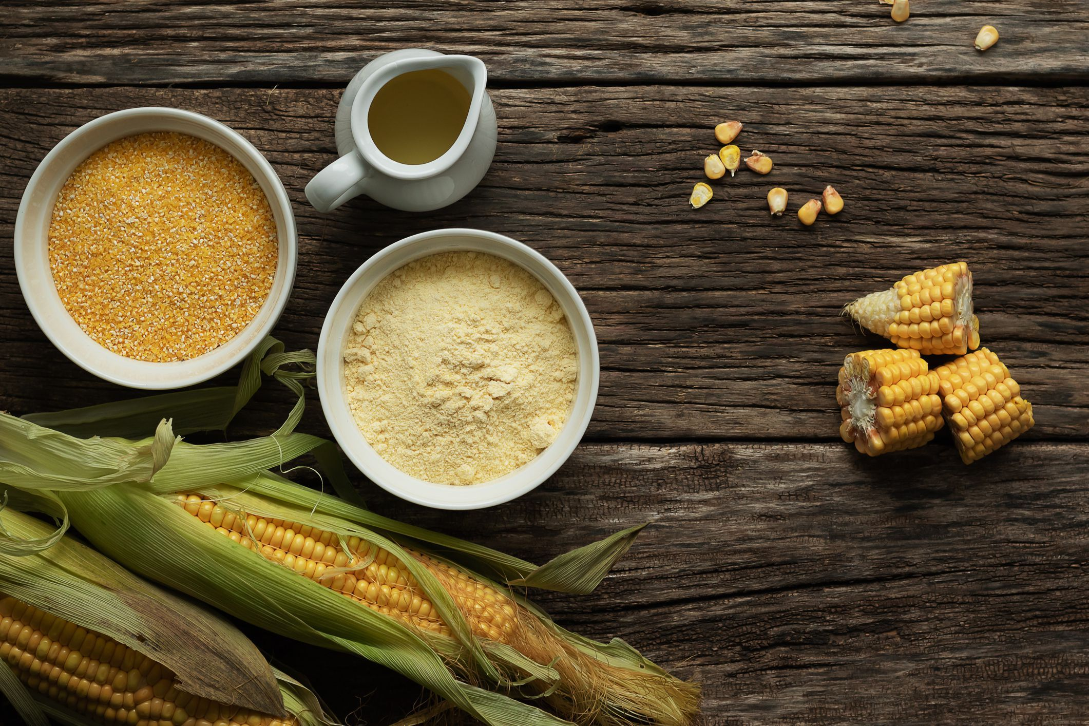 Learn The Difference Between Cornmeal Grits And Polenta In 2020 Polenta Cornmeal Food