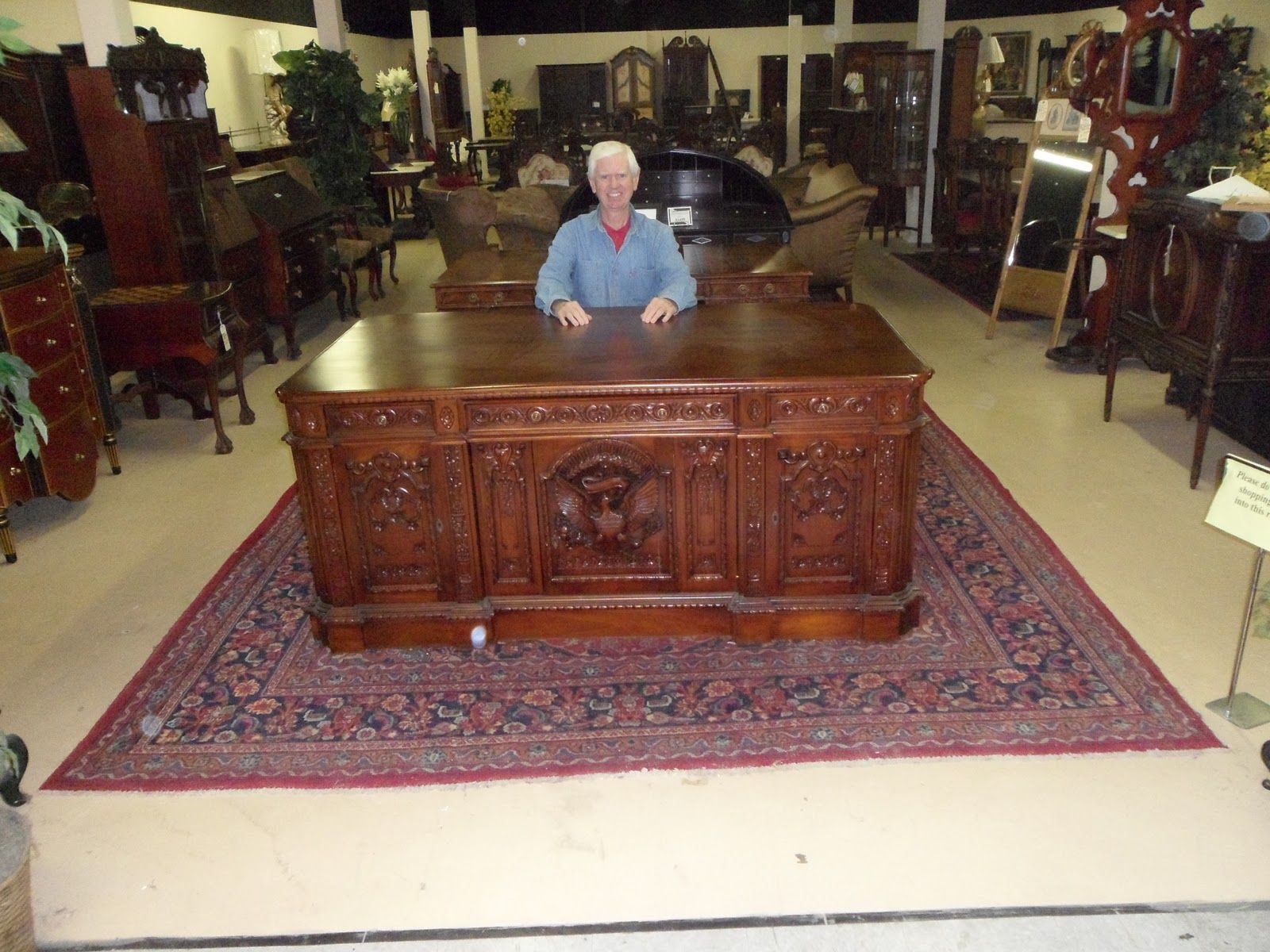 Replica Of A Resolute Desk On Display In An Antique Ping Mall
