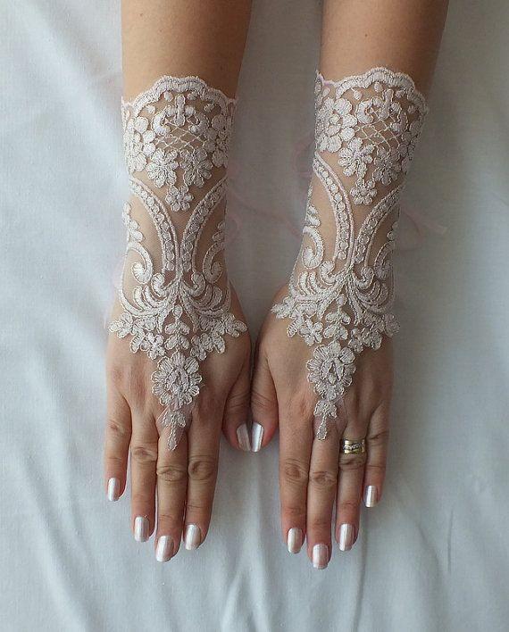 free shipping, Wedding Gloves,  lace gloves,Fingerless Gloves, , off cuffs, cuff wedding bride, bridal gloves, pale pink