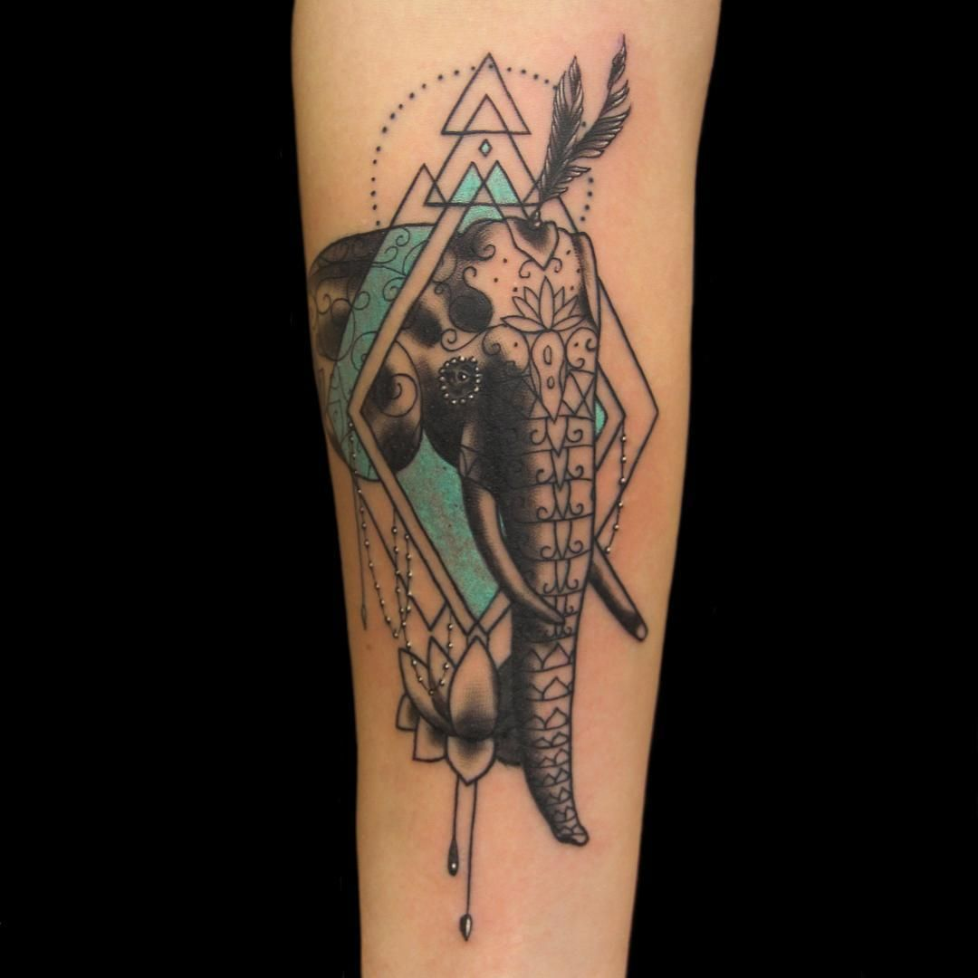 Ornamental elephant with cool geometry by @Erikjonestattoos.  Check out his work !