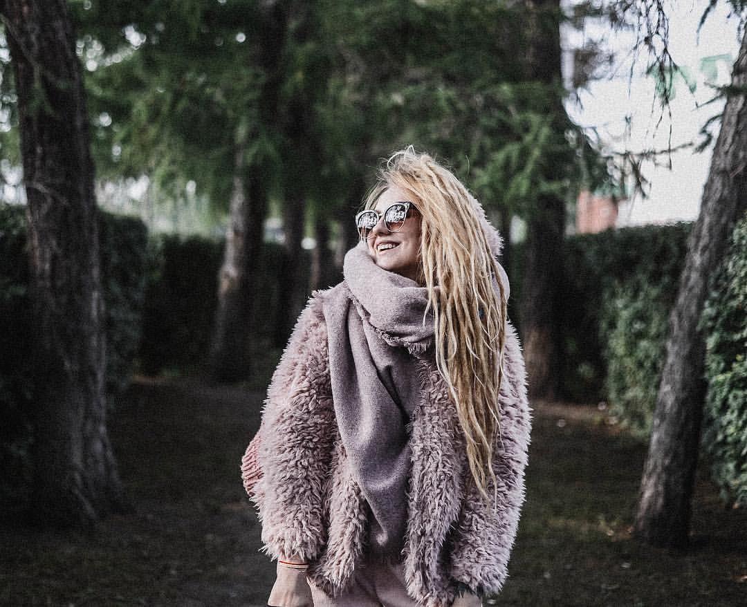 """Dreads Dreadlocks  Hair Hair pink Girl Summer Photographer look outfit moda style tour lookbook 1,090 отметок «Нравится», 8 комментариев — Настя ЧакЕкатеринбург (@nastyachuck) в Instagram: «Вот это день, не знаю хороший или нет, но эмоциональный  Спустя 3 дня """"творческого кризиса"""" я…»"""