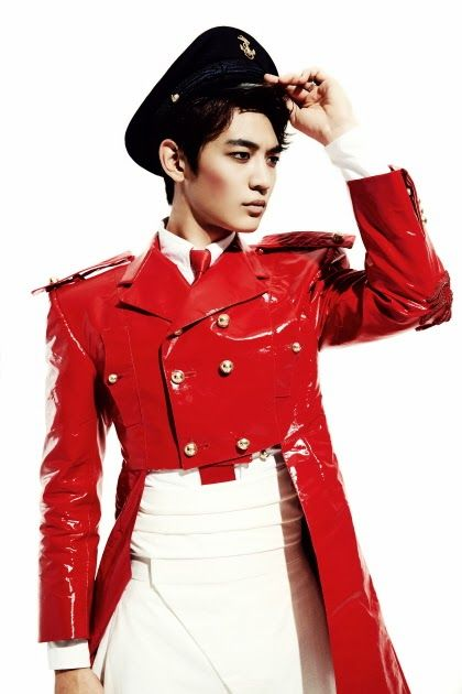 """Blog post: OVARIES EXPLODE OVER MINHO'S TEASERS FOR SHINEE'S """"EVERYBODY"""" ALBUM Teasers and Thome Browne fashion news."""