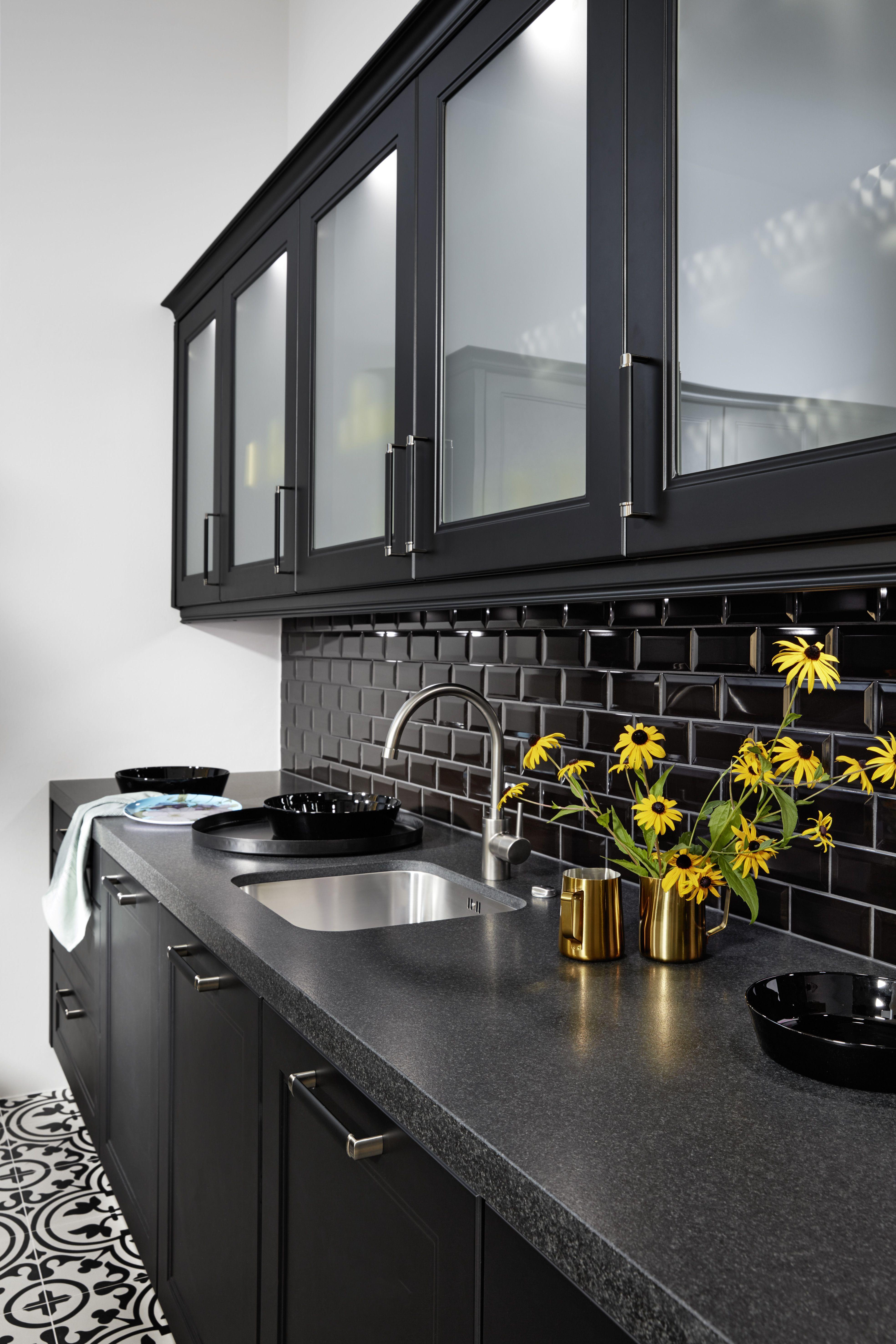 Country kitchen interpreted in a contemporary manner nolte kuechen de