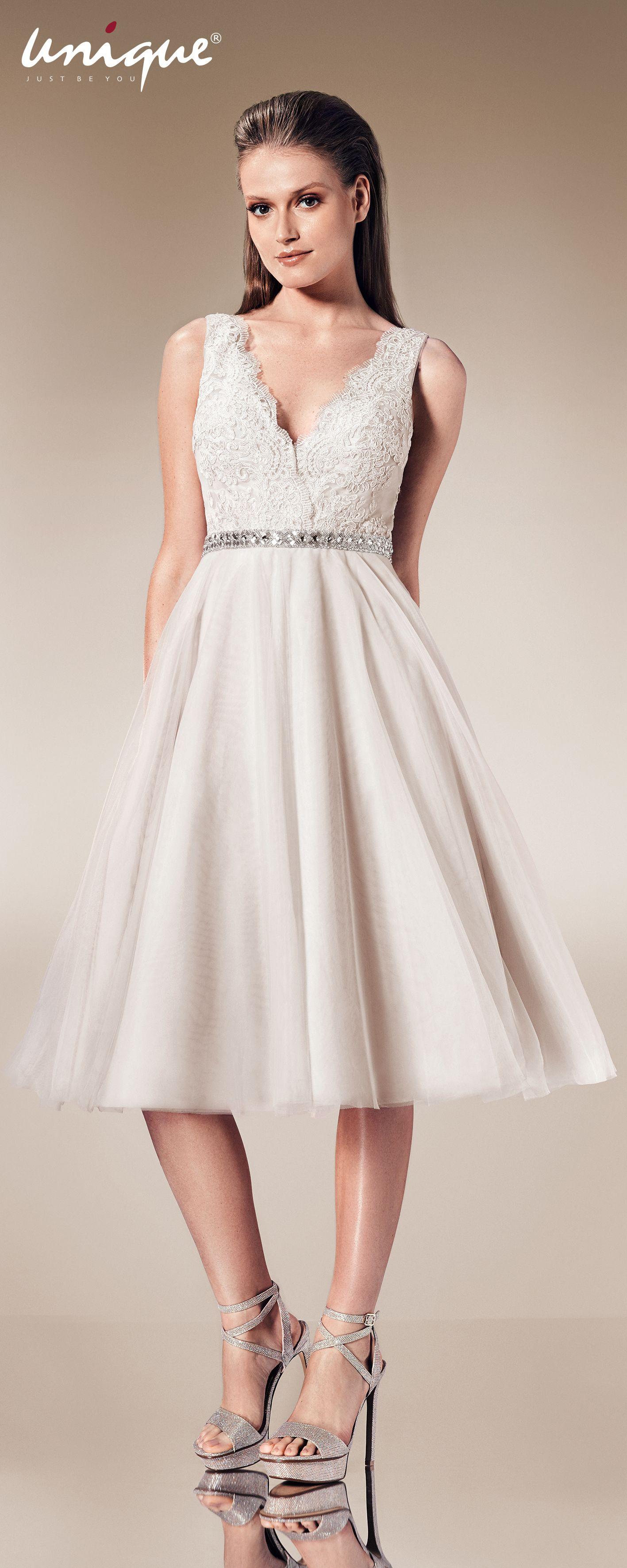 Modisches Midi Kleid von #unique   Abendkleider - Evening Dresses ...