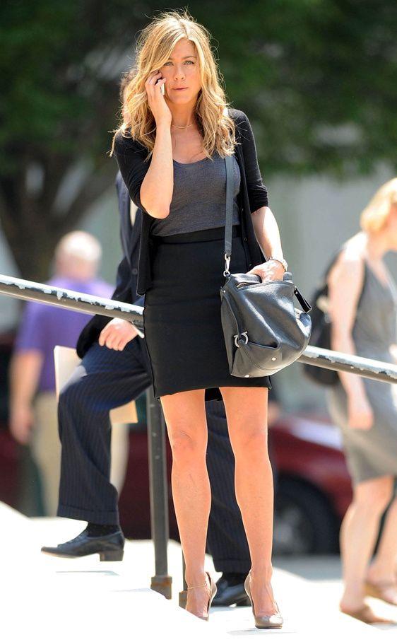 Los bolsos iconos de las firmas de moda: Jennifer Aniston con el bolso Sofia de Salvatore Ferragamo