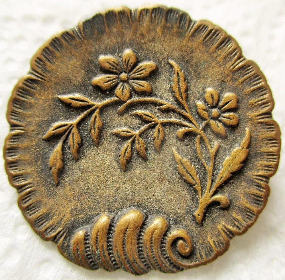 Exceptional LARGE Antique~ Vtg Victorian French Metal Picture BUTTON w/ Flowers