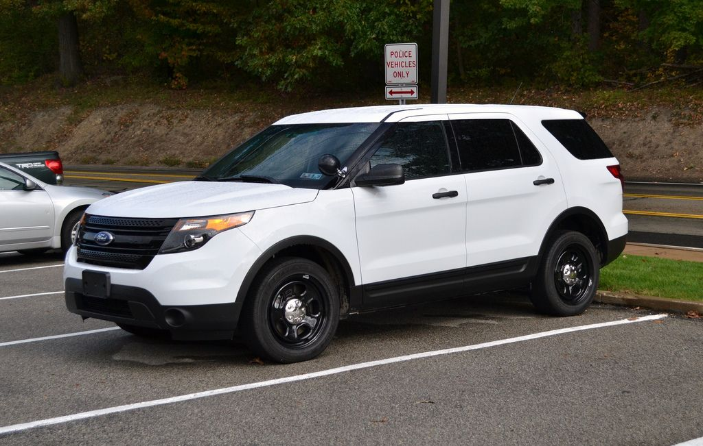 Ford Explorer 2014 Black Police hypercar.website