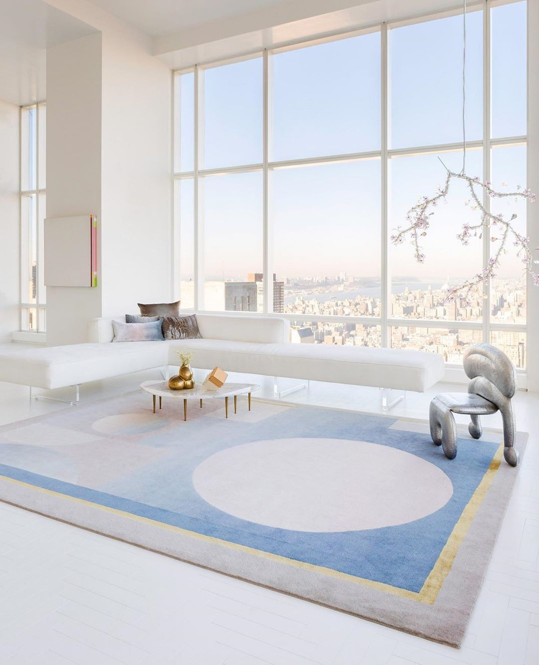 Kelly Behun On Instagram My New Eclipse Rug For The Rug Company Was Inspired By The Changing Colors Of The Sky Over Ne In 2020 Kelly Behun Interior Interior Design