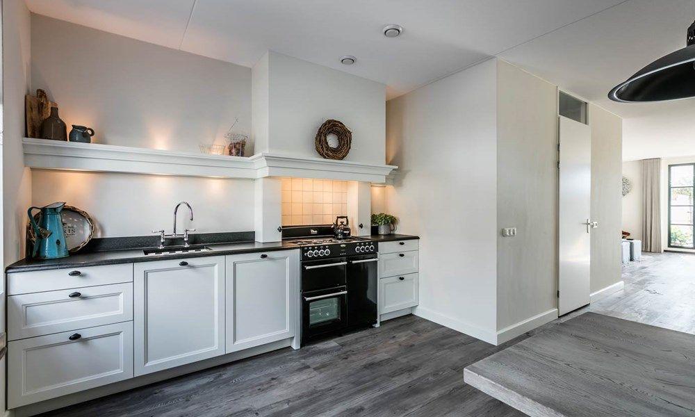 Keur Keukens Keukentegels : Landelijke keuken in rechte opstelling gekocht bij keur keukens
