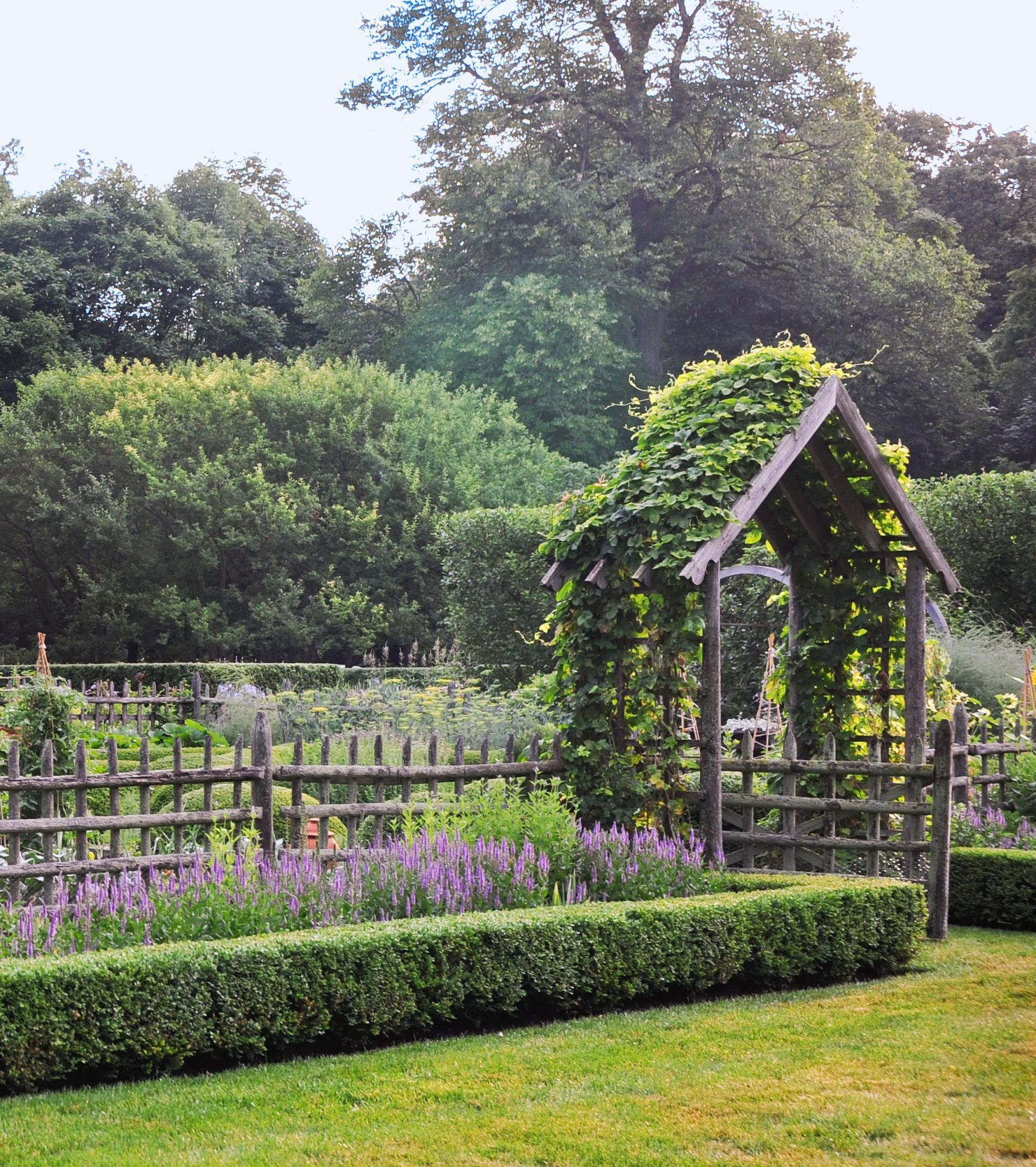 This Formal Garden Will Make You Want to Redo Your Backyard